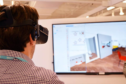 Man using Configuras VR Technology and CET Designer to Experience a Workspace